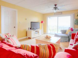 Island South 7, 2 Bedrooms, Ocean Front, Pool, WiFi, Sleeps 6, Saint Augustine