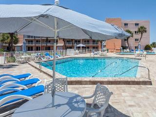 Beach & Tennis 201, 3 Bedrooms, Ocean Front, Pool, Sleeps 6, Saint Augustine