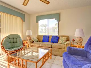 Ocean Village Club J14, 2 Bedrooms, Heated Pool, Pet Friendly, Sleeps 6, Saint Augustine