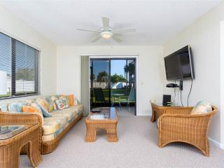 Ocean Village Club M11, 1 Bedroom, Ground Floor, 2 Pools, WiFi, Sleeps 2, Saint Augustine