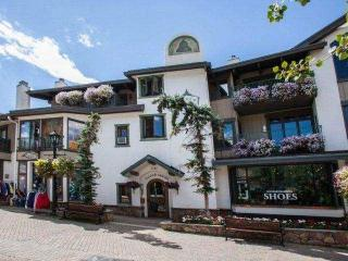 Vail Ski Rental on Bridge Street~ Walk to Gondola One~ Vail Mountain Views~ Hot Tub~ Heart of Vail!!