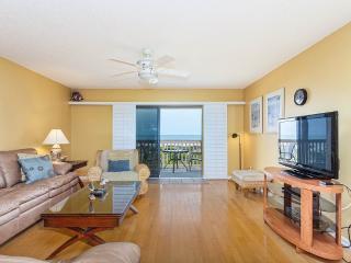 Sea Haven 112, 3 Bedrooms, Ocean Front, Pool, WiFi, Sleeps 8, Saint Augustine