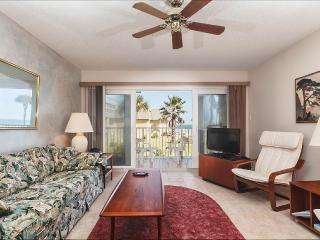 Coquina 203 B, 2 Bedrooms, Ocean Front, Pool, WiFi, Sleeps 6, Saint Augustine Beach