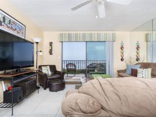 Windjammer 207 Luxury Beach Front, Newly Updated, Elevator, HDTV,, Saint Augustine