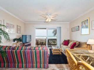 Four Winds E-10, 3 Bedrooms, Ocean Front, 2 Heated Pools, Sleeps 10, Saint Augustine