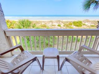 Four Winds I-10E All, 3 Bedrooms, Ocean Front, 2 Heated Pools, Sleeps 10, Saint Augustine