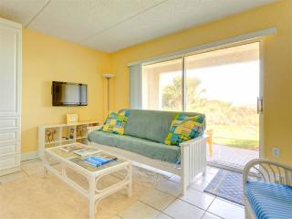 Four Winds I-10D , Ground Floor, OceanFront, HDTV, Wifi, 2 Heated Pools, Saint Augustine