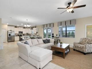 6 Bedroom Pool Home In The Fabulous ChampionGate Golf Resort. 1419RFD, Kissimmee
