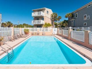 Paradise Ocean, 3 Bedrooms, Vilano Beach, Ocean Front, Pool, Sleeps 6, Saint Augustine