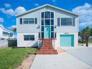 Turtle Cove, New Renovated Beach House, Ocean Front, walk to Vilano Town, Saint Augustine