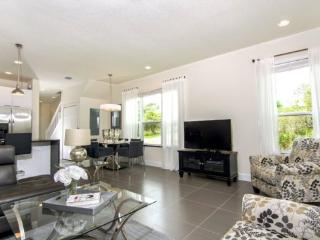 Beautiful 3 Bed 3 Bath Townhome with Private South Facing Splash Pool. 1540TA, Four Corners