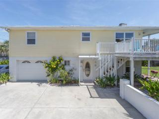 Barefoot Beach House, 4 Bedrooms, Ocean Front, Sleeps 8, Saint Augustine