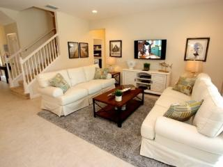 New Beautiful 7 bedroom Pool Home In Solterra Resort Sleeps 22. 5236OA, Kissimmee