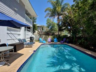 Chiquita's Sun, 4 Bedrooms, Private Pool, Wireless Internet, Sleeps 14, Saint Augustine