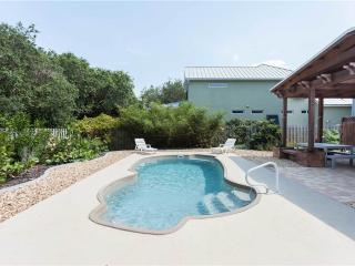 Fan-ta-sea Beach House 4 bedrooms, Private Heated Pool, Saint Augustine