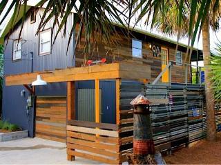 St Augustine Artist Retreat in Summer Haven, 3 houses to beach!, Saint Augustine