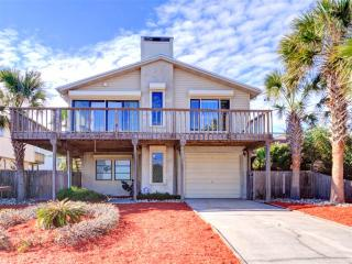 Beachwalk House, 3 Bedrooms, Ocean View, Across from Beach, WiFi, Sleeps 8, Saint Augustine