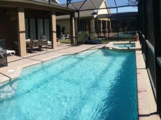 6 Bedroom Pool Home in Bridgeford Crossings. 523LDC, Kissimmee