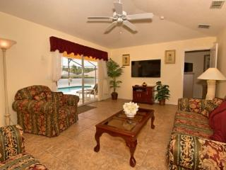 4 Bedroom Disney Area Pool Home with Games Room. 766DD, Kissimmee
