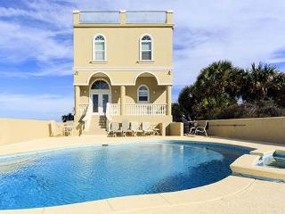Wave Watch Beach house, 6 bedrooms, private pool/spa, 4th floor rooftop dec, Saint Augustine