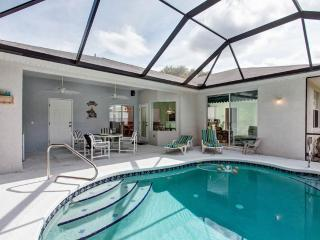 Coastal Cove, 3 bedrooms, Private Pool, Sleeps 8, Near Ocean, Palm Coast