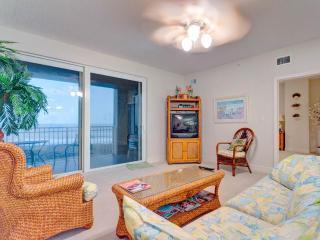 Surf Club II 604 BeachFront, 3 Bedrooms, 2 pools, Fitness Room, WiFi, Palm Coast
