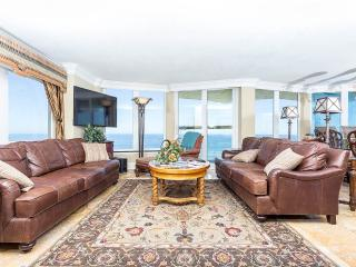 Daytona Shores Club 1101, Luxury 3 Bedroom Penthouse, Beach Front, Daytona Beach