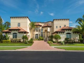 7 Bedroom Signature Estate Vacation Home Overlooking Moon Lake. 7905SPC, Orlando
