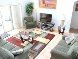 5 Bedroom 3 Bath Pool Home with Lake View. 4679CLD, Orlando