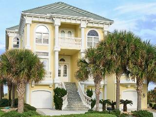 Ocean Ridge Mansion Ocean Hammock, Private Pool, Beach, HDTV, Sleeps 12, Palm Coast