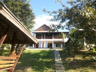 PING POOL VILLA 2 - private pool riverfront villa, Chiang Mai