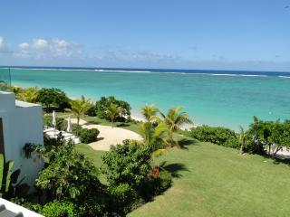 Cap Ouest: Luxury Beachfront 2 Bedroom Apartments, Flic En Flac