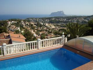 Casa Del Sol with views of the famous Ifach Calpe, Teulada