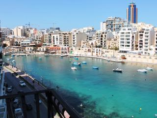 Spinola Bay Seafront 3 bedr. Mansion apt B