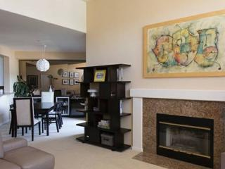 Sleek And Modern Condo With 2 Bedrooms And 2 Bathrooms In Foster City