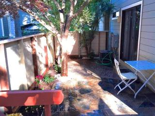 3 BEDROOM 2 BATHS FULLY FURNISHED TOWNHOUSE WITH HOT TUB, Los Gatos