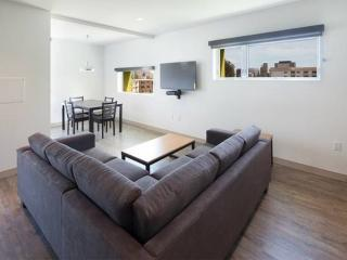 Furnished Luxury Apartment in Brand New Community in Westwood - 3 Bedrooms / 3 Bathrooms, Los Angeles