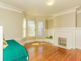 Glen Park 2 Bedroom Charming Unit - All Utilities Included, San Francisco