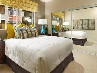 Tastefully Designed 2 Bedroom 2 Bathroom Apartment - Newark