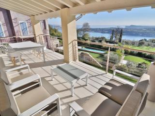 Lake Garda View Apartment with super swimming pool, Salo