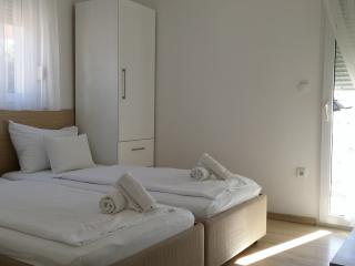 Apartments Johnny A3 close to beach and Split cent