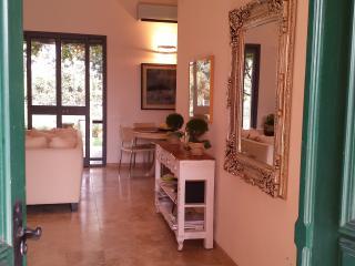 Villa Artemis, Yesod Hamaala