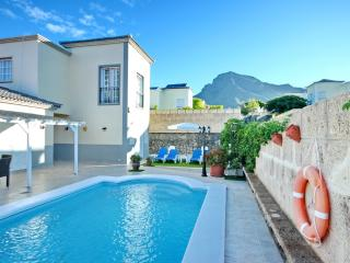 Nice Villa in sunny Costa Adeje with private pool
