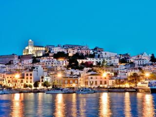 IBIZA MAGIC CASTLE PENTHOUSE STUDIO, Ibiza Stadt