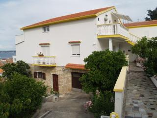 Sea view, 2beds apartment Reno, sleeps 5, Preko