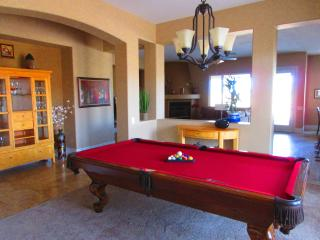 Gourgeous 4 br Home .heated Pool available, Las Vegas