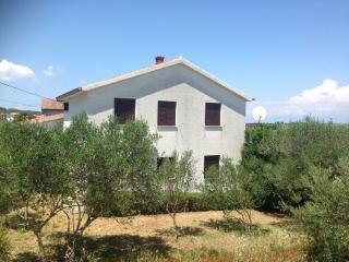Spacious Sea view house Giovanni, sleeps 8, Preko