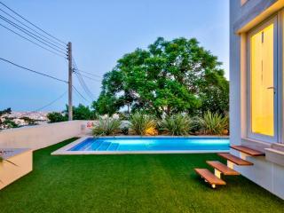 Modern villa with indoor and outdoor pool, Naxxar