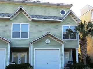 Beach Pointe 901, 3BR/3BA spacious townhouse!, Destin