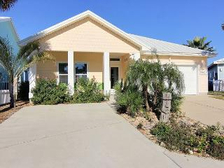 Newly Constructed 4 bedroom 2 bath in a beachfront community!, Port Aransas